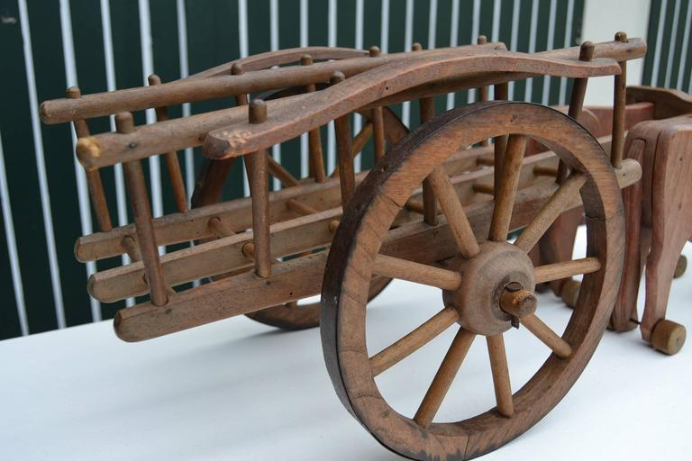 1930s  French Wooden Pull Toy Oxcart by Déjou  For Sale 4
