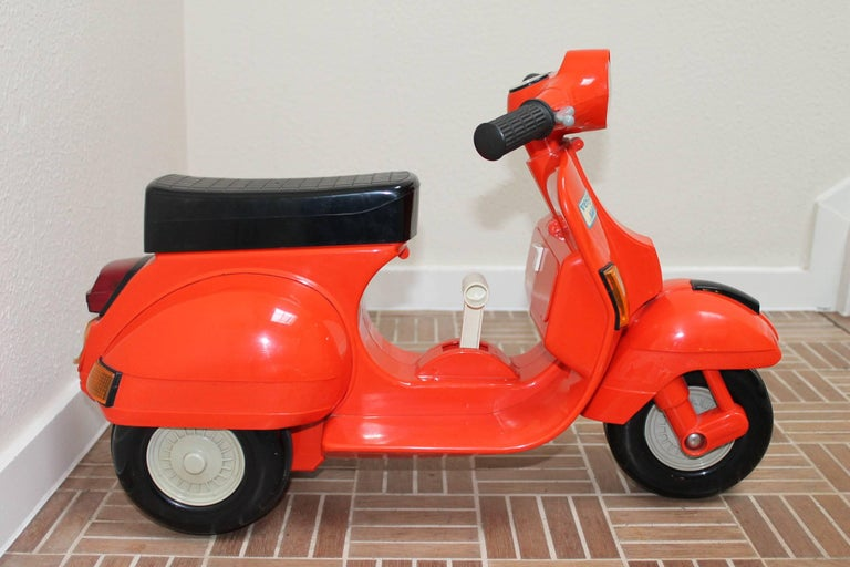 1980s Children S Vespa Scooter At 1stdibs