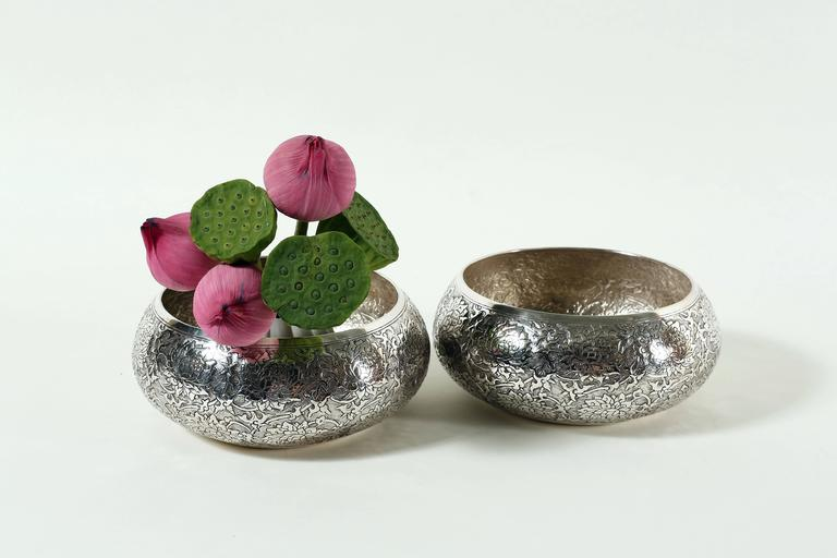 Cambodian Contemporary Hand-Worked Solid Silver Bowl, Lotus Motif, Centerpiece For Sale