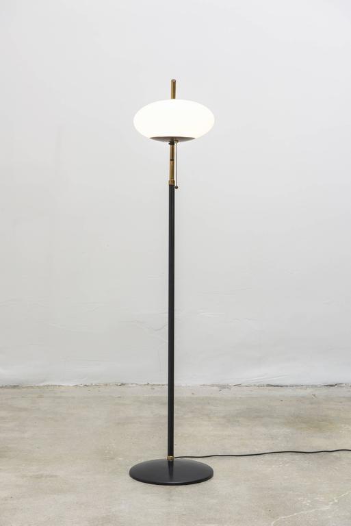 Exquisite Vintage Mid Century Floor Lamp, Style Of Arredoluce, Italy.  Standing Lamp