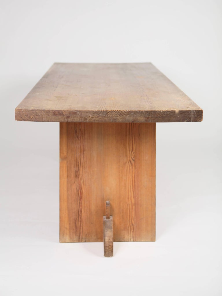 Pine 'Lovö' table by Swedish Modernist Axel-Einar Hjorth, manufactured by Nordiska Kompaniet in Sweden, circa 1932. Best known for his modern reduced design, this table by Axel-Einar Hjorth is one of his masterpieces.