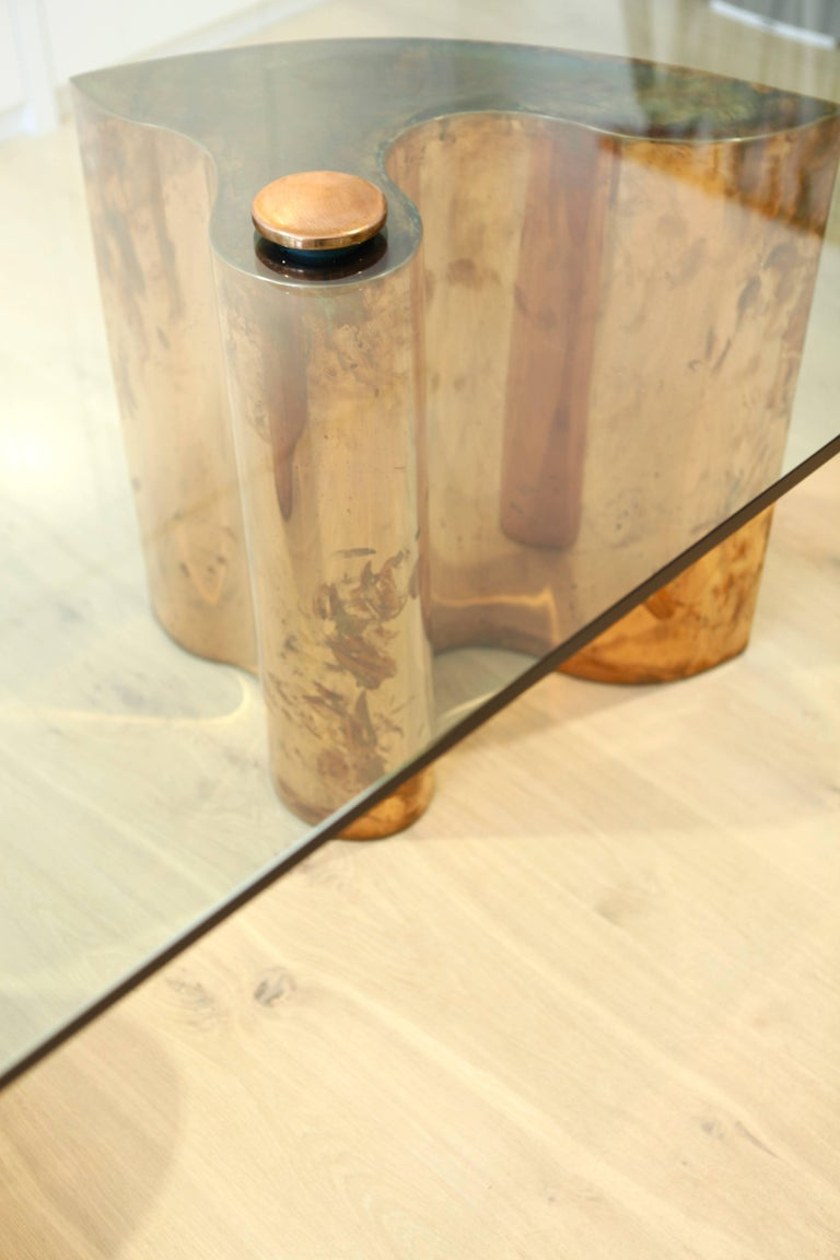 Unique Table, Brass Copper-Plated, Colorless Glass In Excellent Condition For Sale In Hamburg, Hamburg