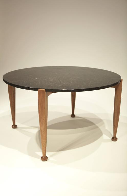 Josef Frank coffee table in walnut and black marble. Manufactured by Svenskt Tenn in 1950, Sweden.