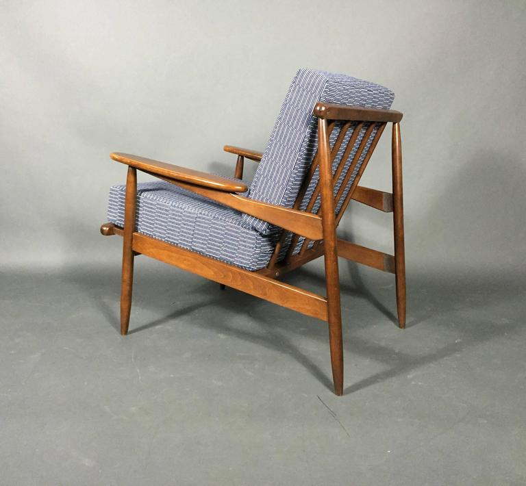 1950s American Modern Walnut Lounge Chair, Eleanor Pritchard Cover In Good Condition For Sale In Hudson, NY