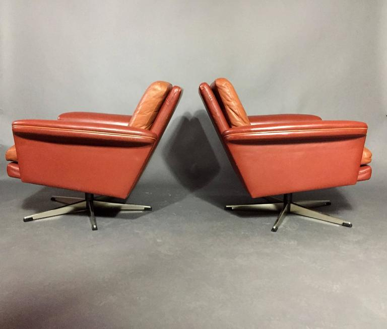 Pair of Scandinavian Leather and Steel Swivel Chairs, Denmark, 1960s 3