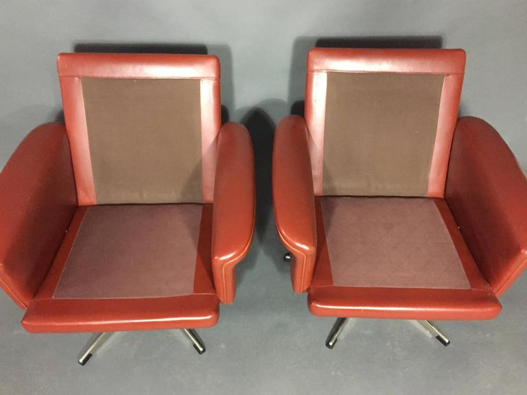 Pair of Scandinavian Leather and Steel Swivel Chairs, Denmark, 1960s 8
