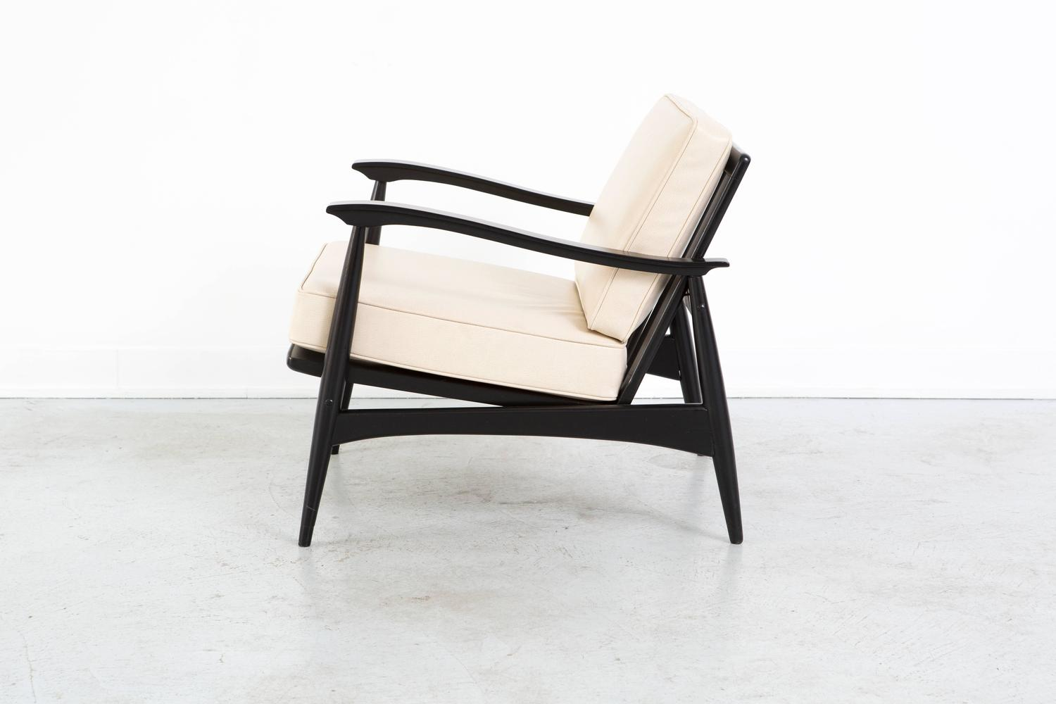 Mid Century Modern Leather Lounge Chair by Associated