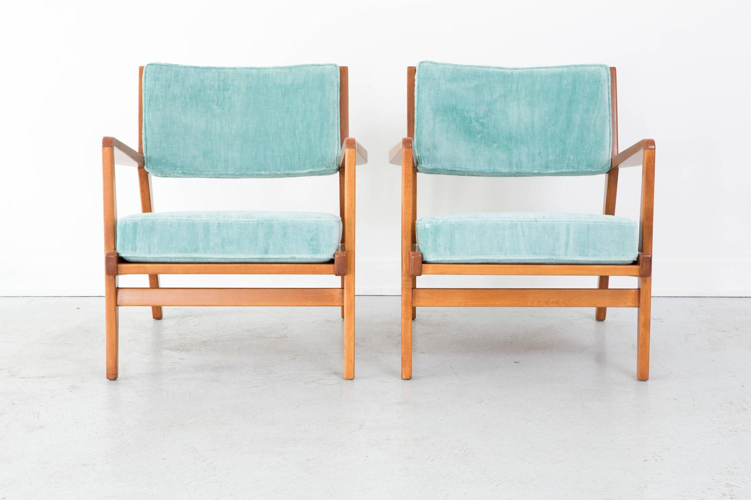 set of mid century modern jens risom walnut lounge chairs at 1stdibs