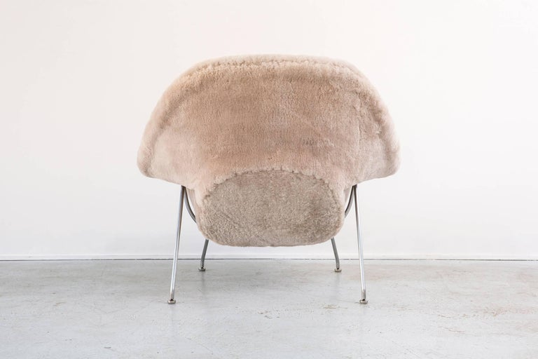 Eero Saarinen for Knoll Womb Chair In Excellent Condition In Chicago, IL