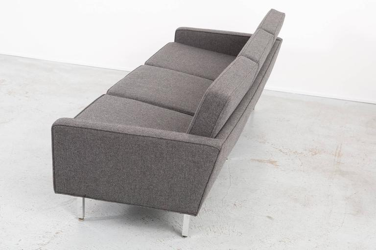 Thonet Sofa In Excellent Condition For Sale In Chicago, IL