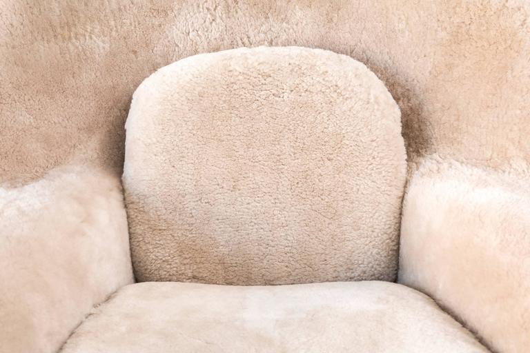 Saarinen Mid-Century Modern Womb Chair by Knoll Reupholstered in Shearling 1