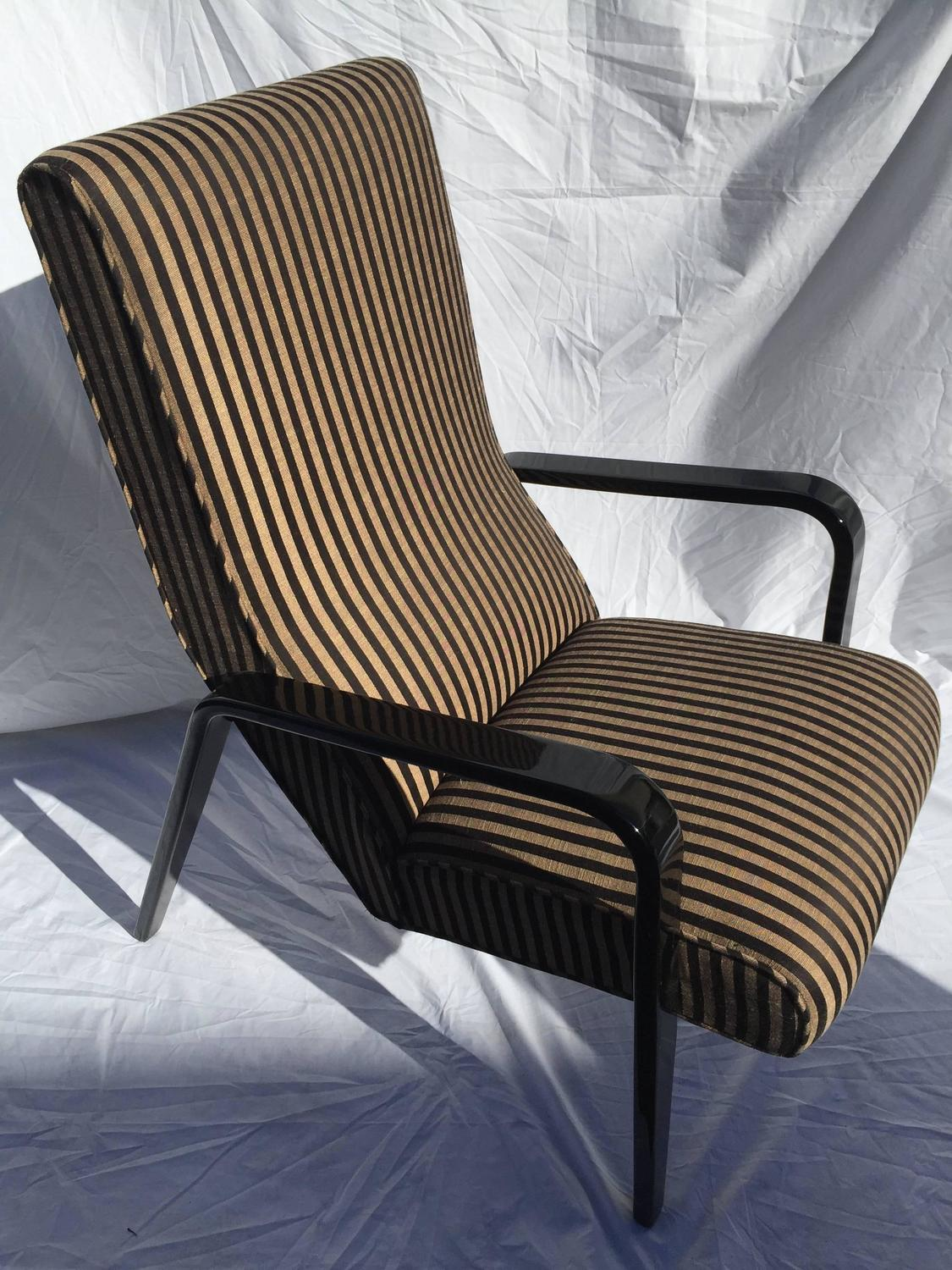Exceptionally fortable Thonet Style High Back Lounge Chairs For Sale at 1s