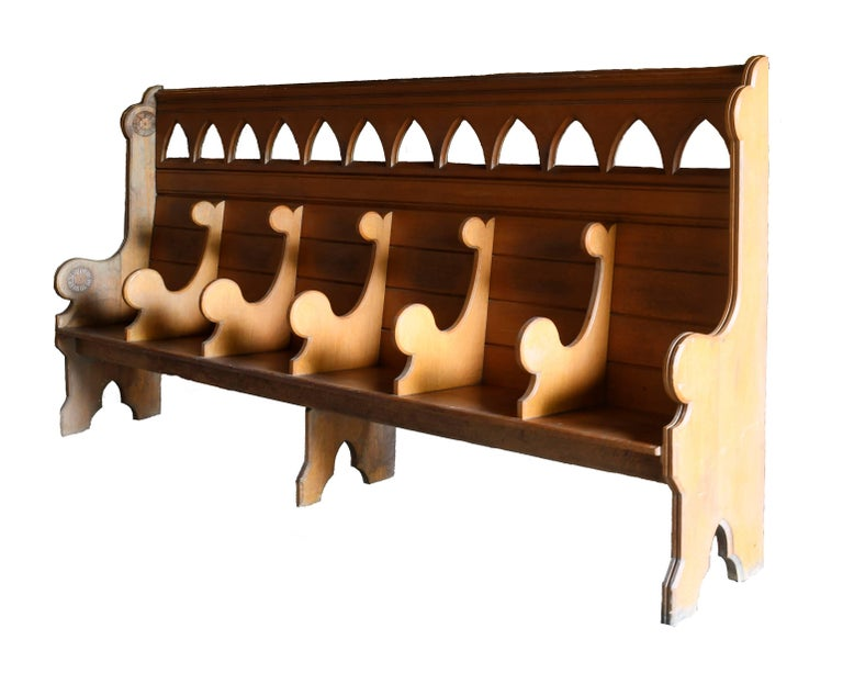 Quartersawn Divided Oak Church Pew In Good Condition For Sale In Minneapolis, MN