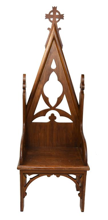 Early 20th Century Oak Bishop's Chair with Vaulted Back and Trefoil Designs 5