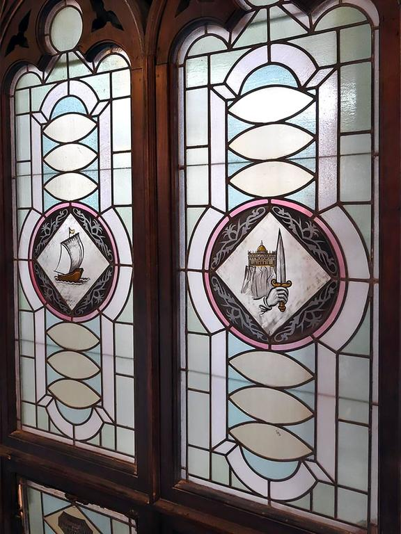 Early 20th Century Gothic Windows In Excellent Condition For Sale Minneapolis MN