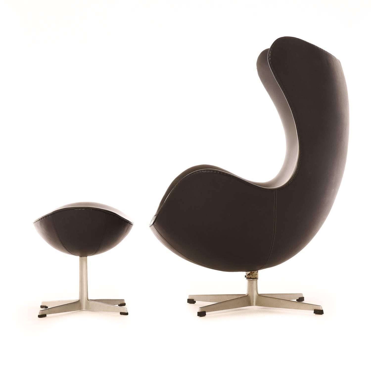 danish modern egg chair with ottoman for sale at 1stdibs. Black Bedroom Furniture Sets. Home Design Ideas