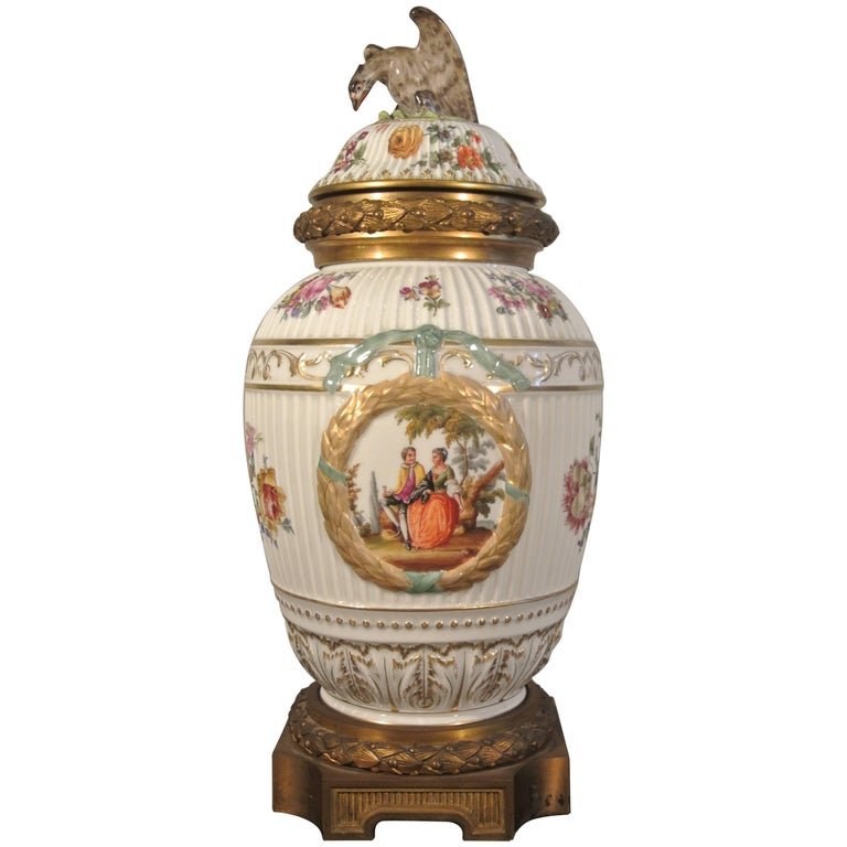 Covered Porcelain Bronze on Gilded Bronze Base from the 19th Century For Sale