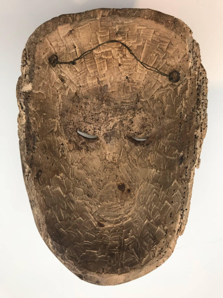 18th-19th Century Carved Slave's Mask Depicting of His/Her Master For Sale 1
