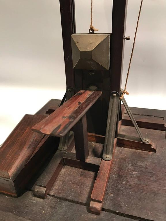 Guillotine Cigar Cutter with Coffin Cigar Tip Box 8