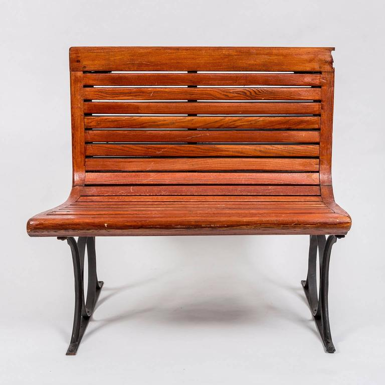 Rare 1920s French Paris Metro Second Class Double Sided Wooden Slatted Bench In Good Condition For Sale In New York, NY