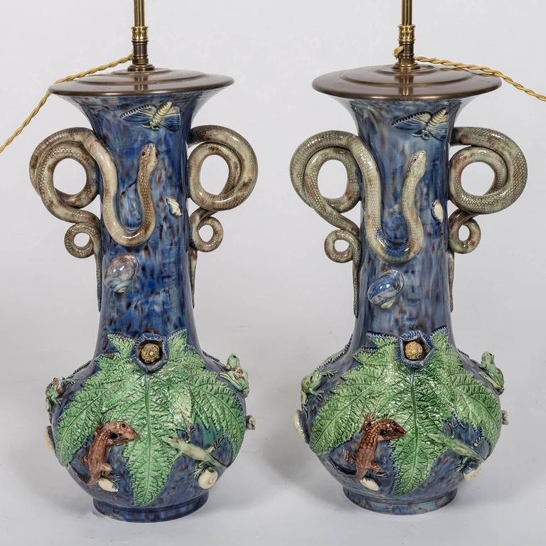 Renaissance Revival Majolica Electrified Vase Lamps with Snake Handles, Frog and Lizard Decoration For Sale