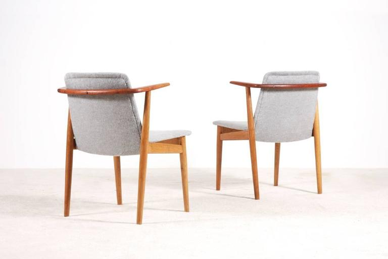 Hans Olsen Pair of Teak and Oak Chairs, 1950s In Excellent Condition For Sale In Paris, FR