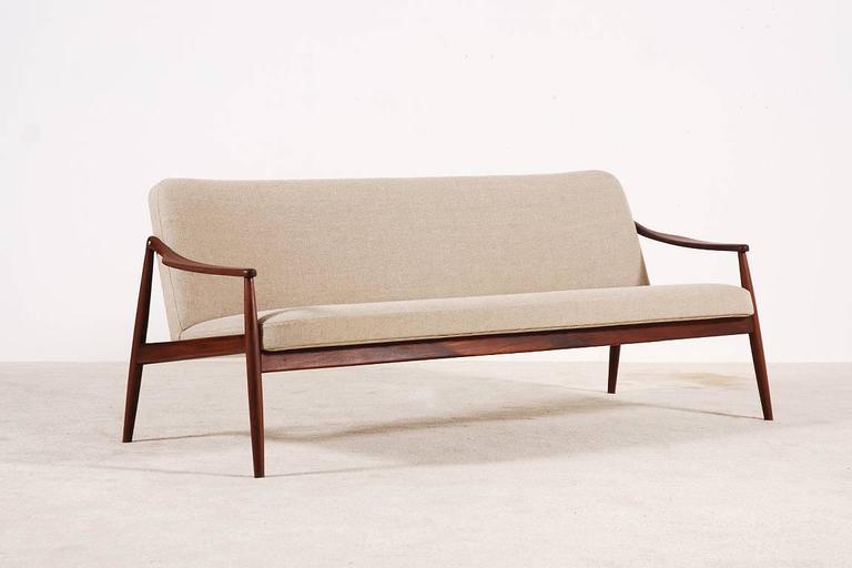 Mid-Century Modern Beautiful Hartmut Lohmeyer Three-Seat Teak Sofa for Wilkhahn, 1950s For Sale