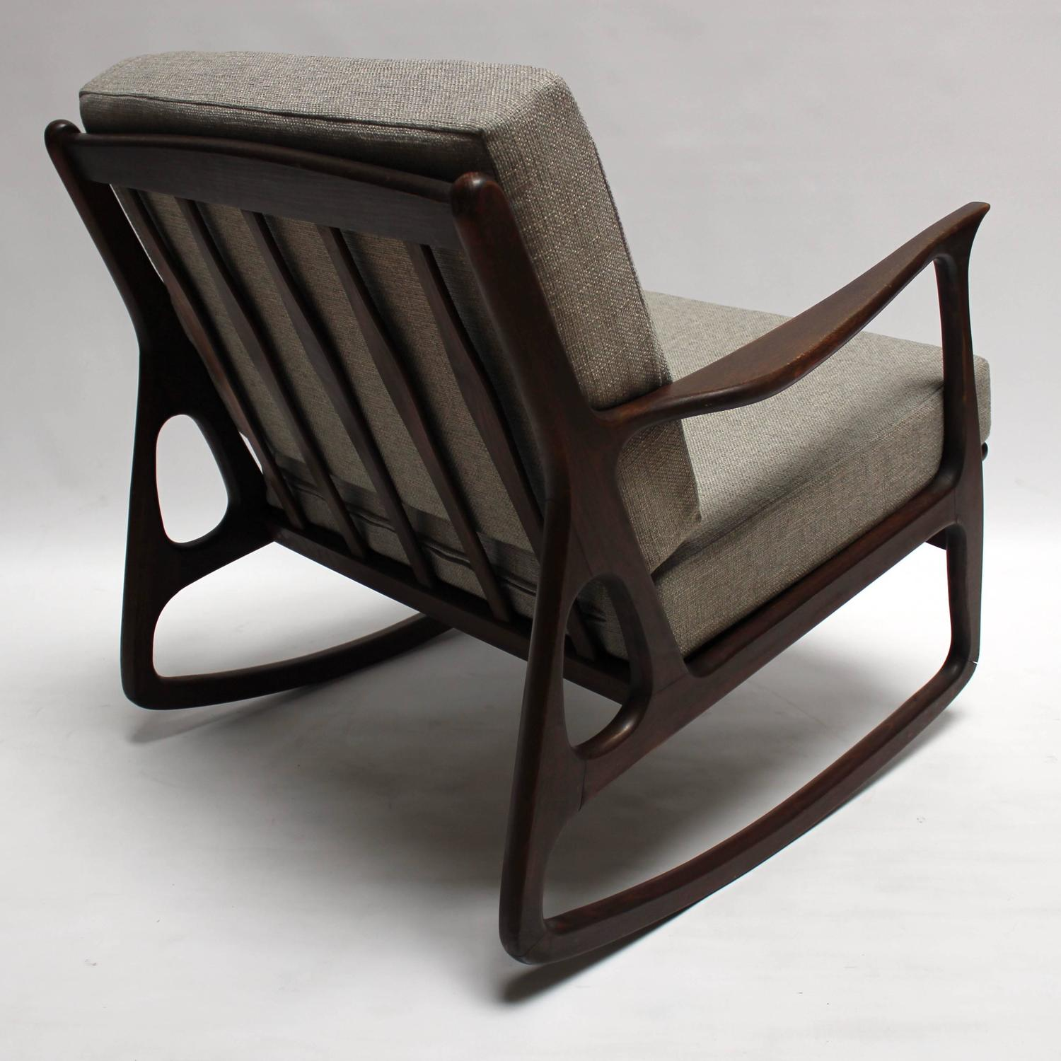 mid century modern italian upholstered walnut rocking chair at 1stdibs. Black Bedroom Furniture Sets. Home Design Ideas