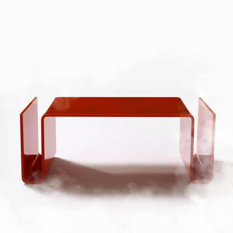 Created in the 1960s to affect a sense of orderliness, it goes together with the Sofo sofa, with the same length as the seat and half the width, this coffee table is made by bending a methacrylate sheet with a thickness of 12 millimeters. It is