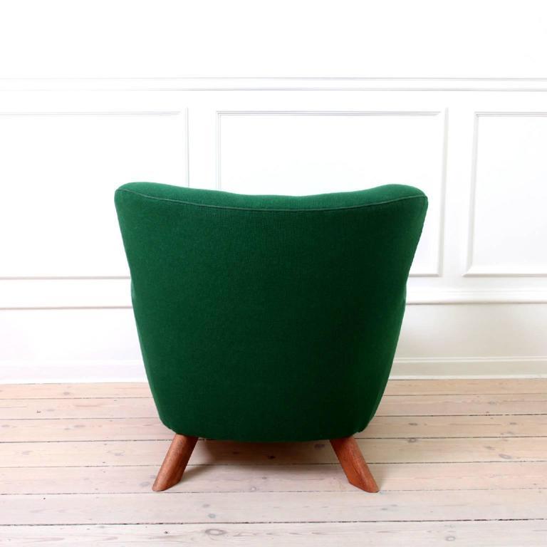 Danish Fritz Hansen, Pair of Easy Chairs Model 1669 For Sale