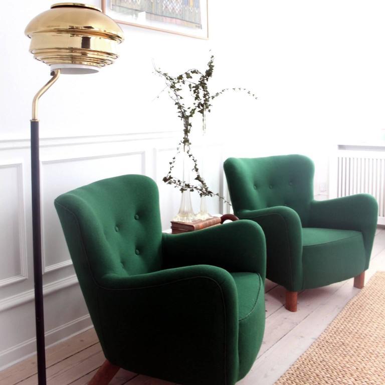 Fritz Hansen, Pair of Easy Chairs Model 1669 In Good Condition For Sale In Copenhagen, Copenhagen