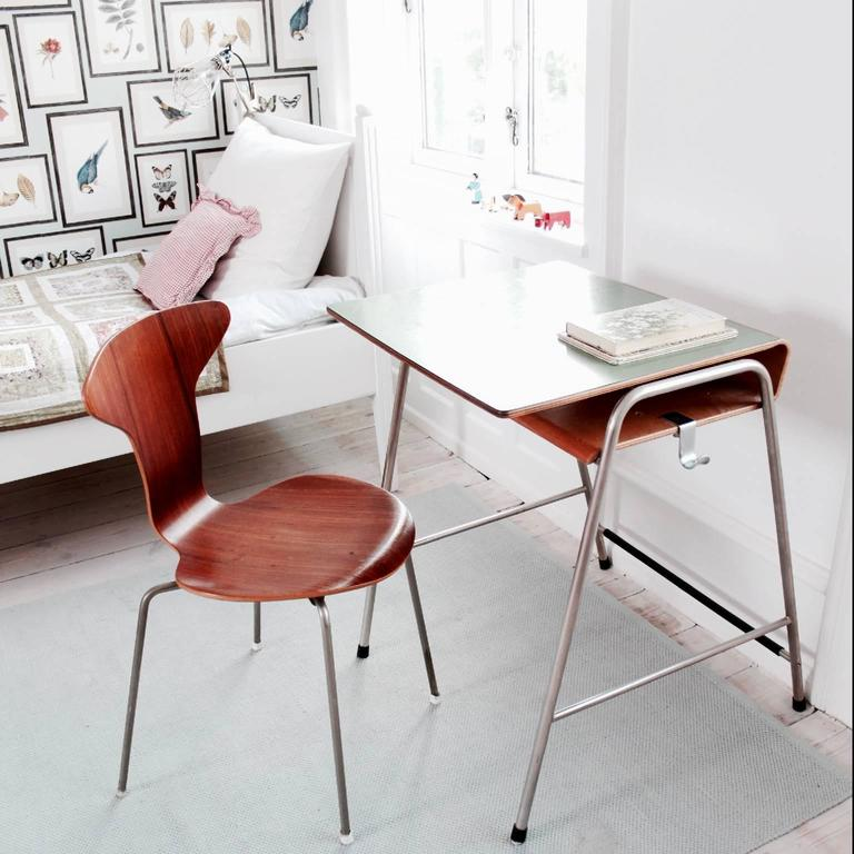 Arne Jacobsen Munkeg 229 Rd School Desk And Chair For Sale At