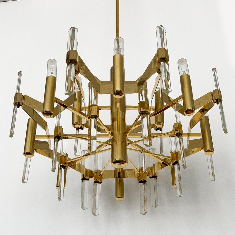 Italian Gold-Plated Brass and Crystal Chandelier by Gaetano Sciolari For Sale