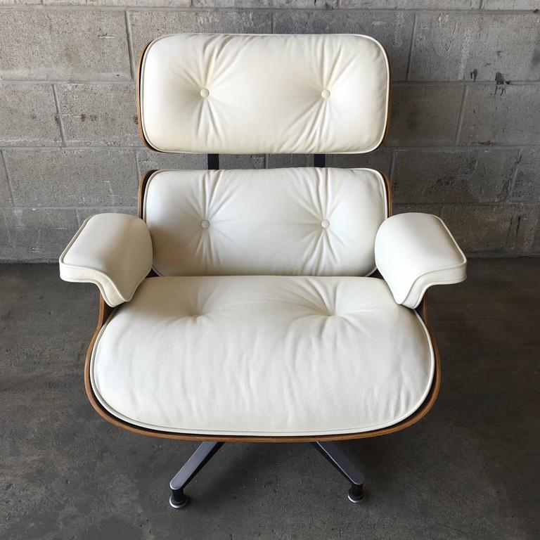 American Herman Miller Eames Lounge Chair and Ottoman with New Perfect Ivory Leather For Sale