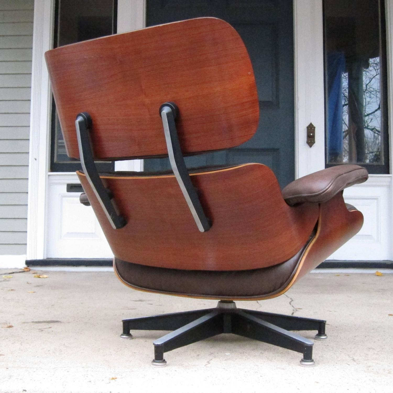 Herman miller eames lounge chair in brazilian rosewood at 1stdibs - Eames chair shock mounts ...
