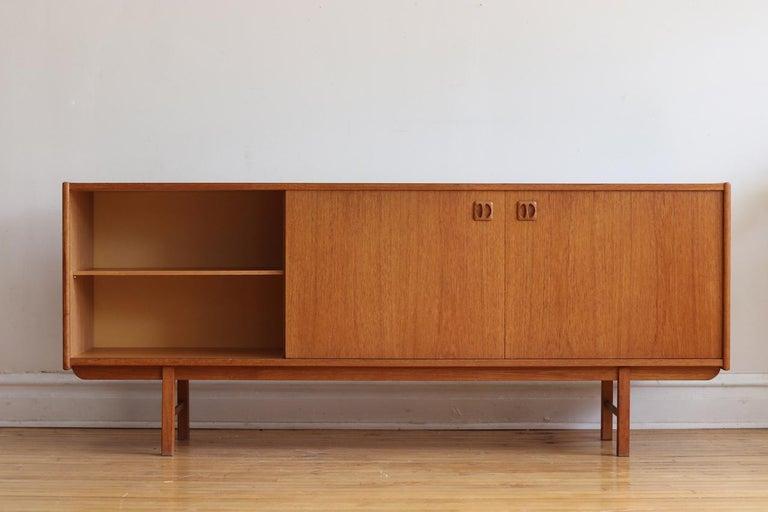 Mid-Century Modern Teak Danish Credenza For Sale 3