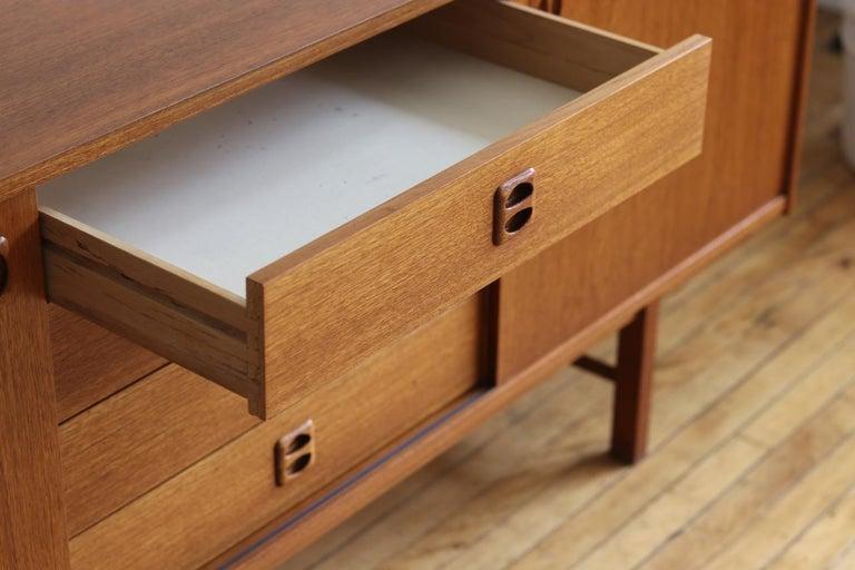 Mid-Century Modern Teak Danish Credenza For Sale 6