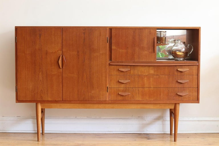 Midcentury Danish Modern High Sideboard with Dry Bar For Sale 2