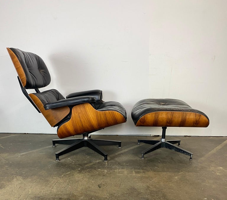 Gorgeous Herman Miller Eames Lounge Chair and Ottoman For Sale 4