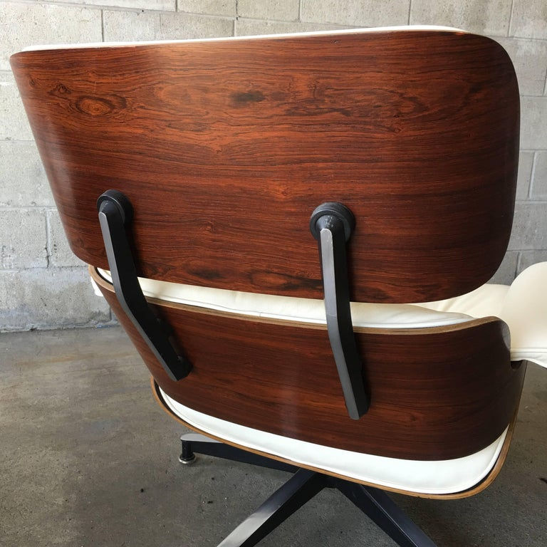 Mid-Century Modern Herman Miller Eames Lounge Chair with New Ivory Leather For Sale