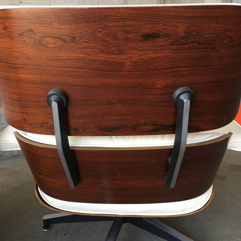 American Herman Miller Eames Lounge Chair with New Ivory Leather For Sale