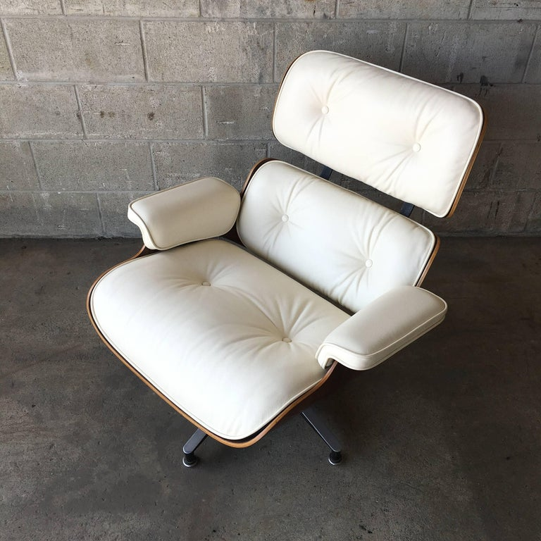 Perfect Rosewood and Ivory Herman Miller Eames Lounge Chair For Sale 1