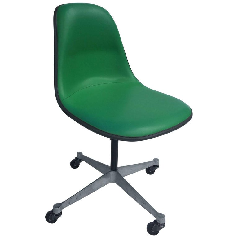 Herman Miller Eames PSCA Swivel Chair For Sale