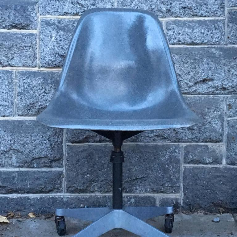 Mid-20th Century Herman Miller Eames Elephant Grey Desk Chair For Sale