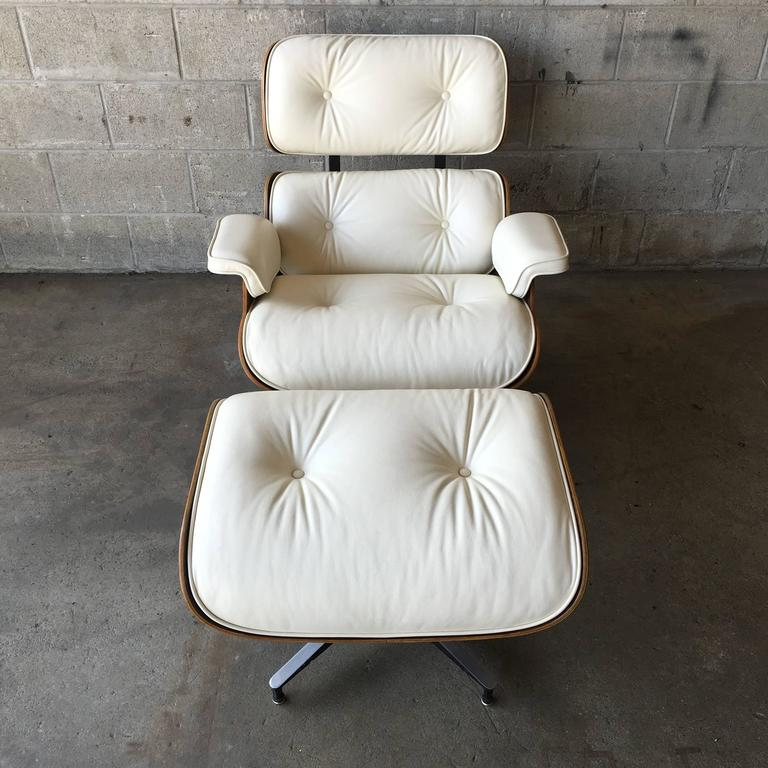 Mid-Century Modern Herman Miller Eames Lounge Chair and Ottoman with New Perfect Ivory Leather For Sale