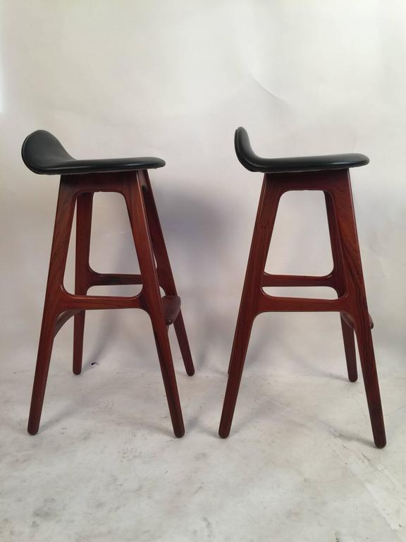 Scandinavian Modern Two Erik Buck Bar Stools in Black Leather and Rosewood For Sale