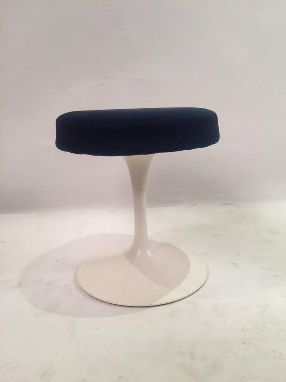 Mid-20th Century Eero Saarinen Tulip Stools for Knoll in Fabric For Sale