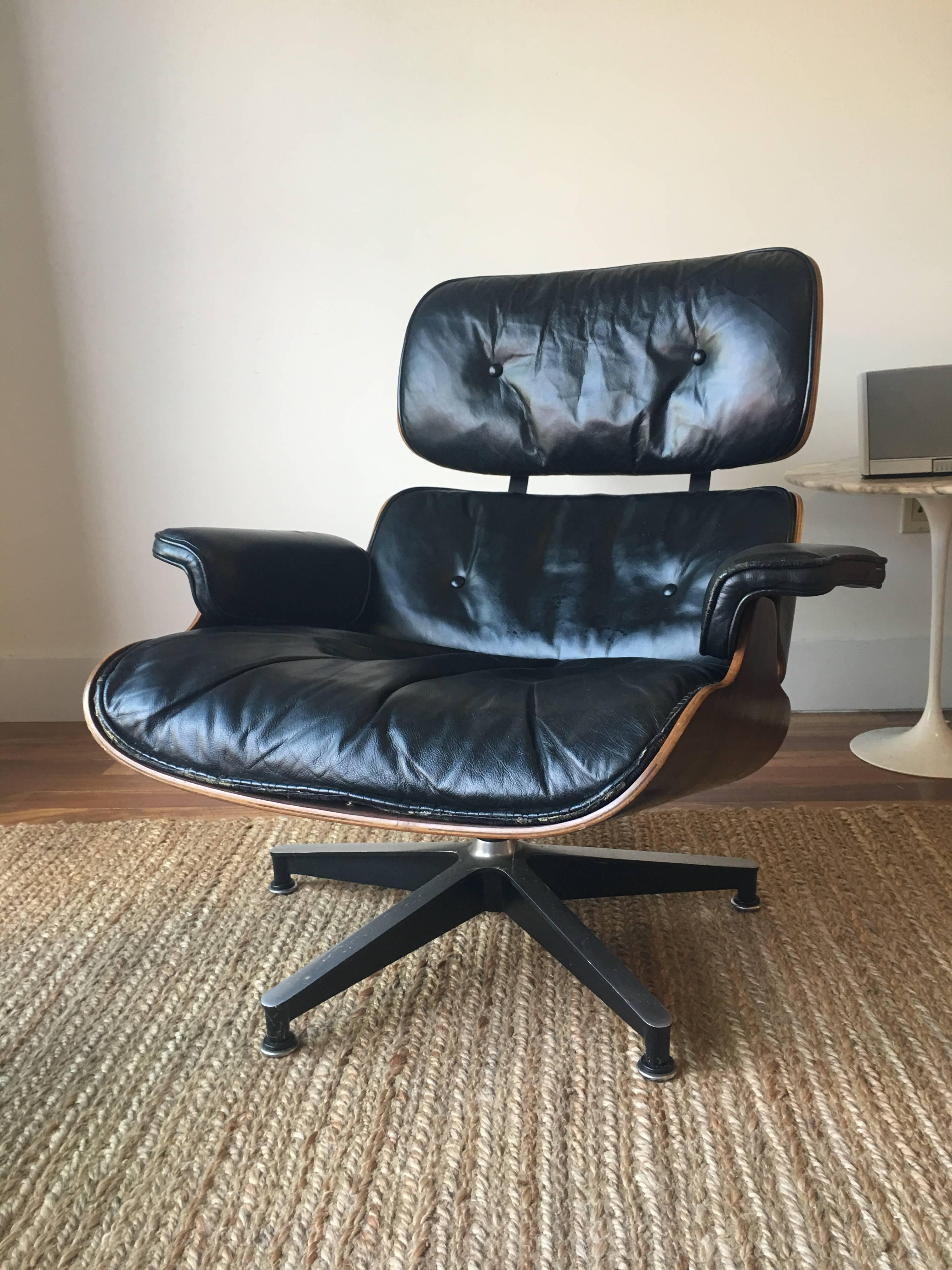Mid Century Modern 1960s Herman Miller Eames Lounge Chair With Down Cushions  For Sale