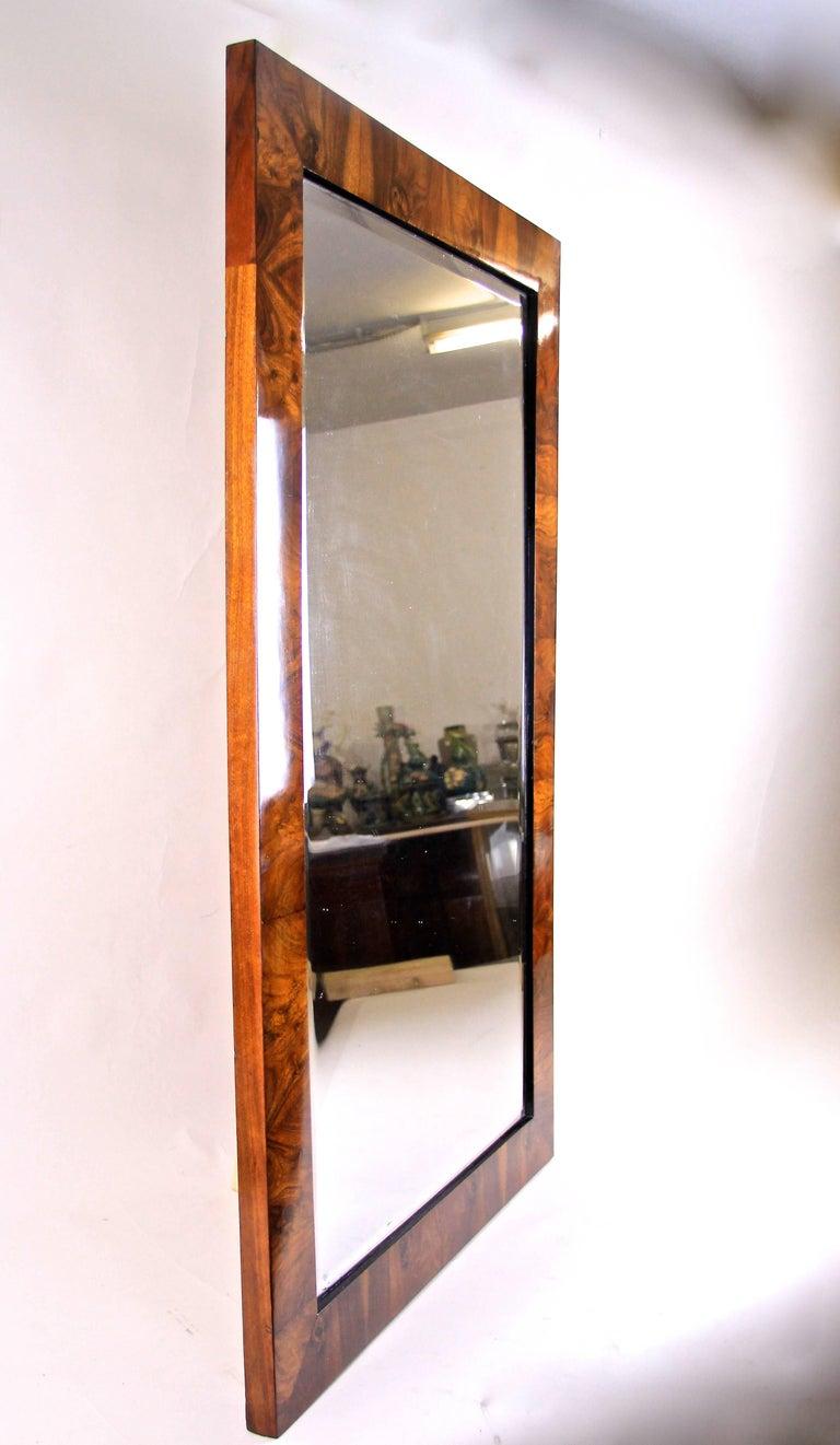 Large Biedermeier Wall Mirror Nutwood, Austria circa 1825 For Sale 1