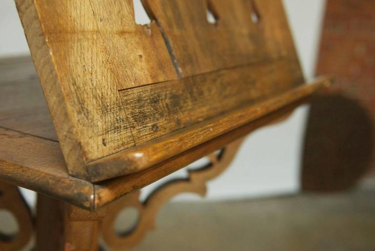 Monumental Italian Carved Oak Lectern Book Stand In Good Condition For Sale In Oakland, CA